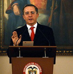Uribe pide beligerancia para el hampa venezolana