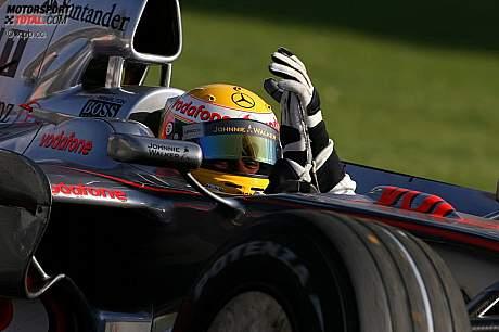 Hamilton gana caótico GP australiano
